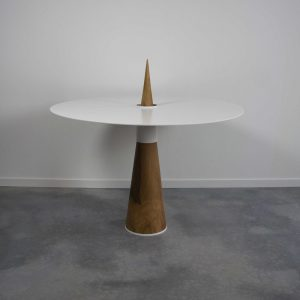 Escale Design Le Diner d'Archimede table a manger noyer